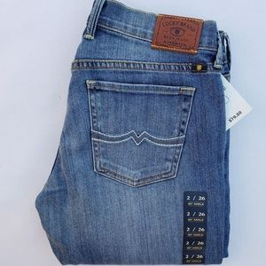 New Women's Lucky Brand Straight Jeans